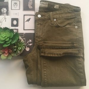 Lucky Brand Jean Sweet Straight olive color size 4